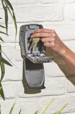 MASTER LOCK Großer Schlüsselkasten für extra Sicherheit, inkl. Wandhalterung